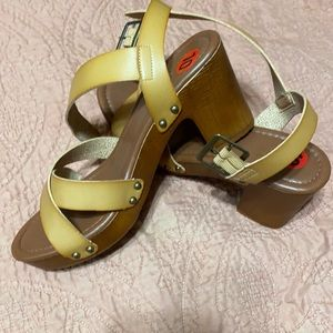 New tan leather sandals